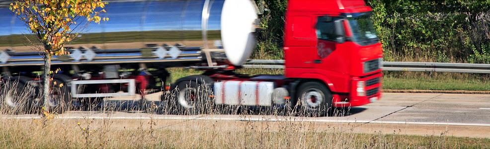 Tank Logistik Verkehre Transport Flüssigtransport Lebensmittel Futtermittel Chemie